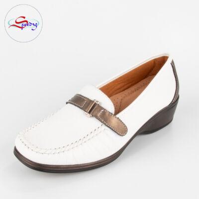 Fehér cipő szemből